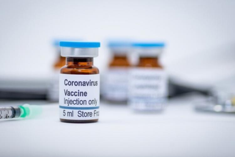 NYT: Vladimir Putin a aprobat folosirea primul vaccin pentru COVID-19 din lume