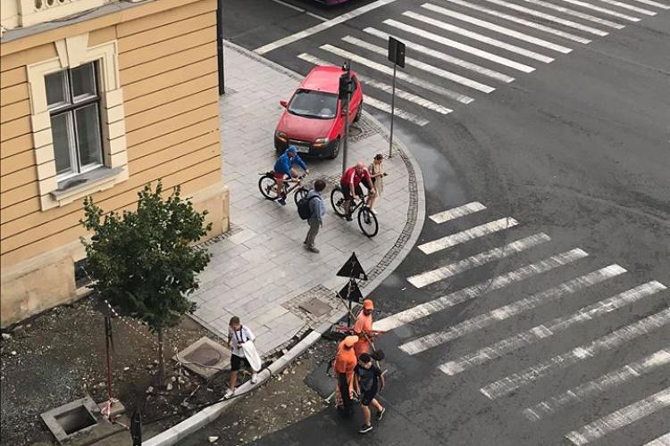 Parcare de geniu, chiar lângă Primăria Cluj-Napoca! - FOTO