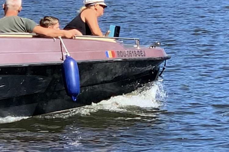 Bărcile motor și-au făcut de cap în acest week-end pe lacul Beliș - VIDEO