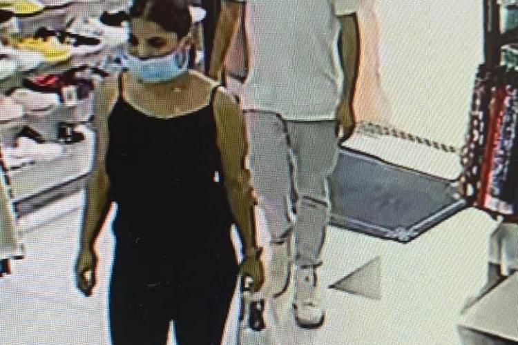 Cluj: A fost prins bărbatul filmat când fura un telefon dintr-un magazin - FOTO
