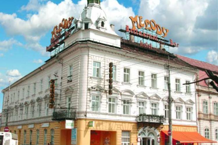 Universitatea maghiară a cumpărat cunoscutul hotel Melody , fără ca statul român să miște un deget