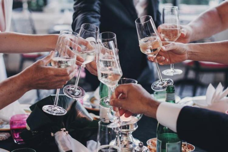 La nunți, botezuri sau alte evenimente private pot participa 50 de oameni, de la 1 septembrie