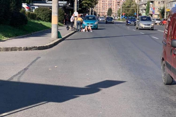 Biciclist lovit de mașină în Mănăștur FOTO