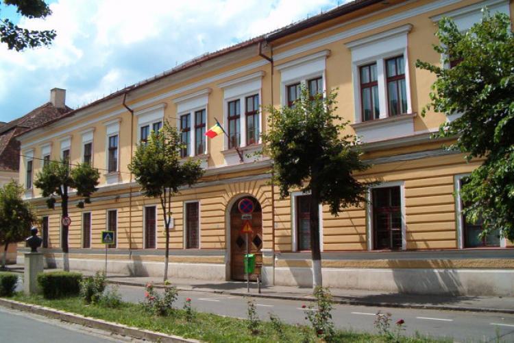 Cum începe școala la Colegiul Național Emil Racoviță Cluj! Constantin Corega: Suntem într-o situație de război pandemic