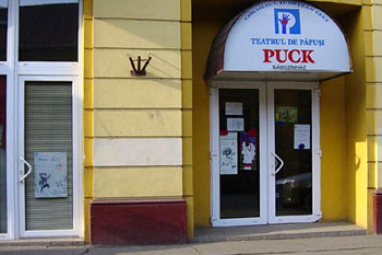 Teatrul de Păpuși Cluj a cerut CNCD să verifice dacă a fost cineva discriminat, așa cum afirmă cei care vor să rupă teatrul în două