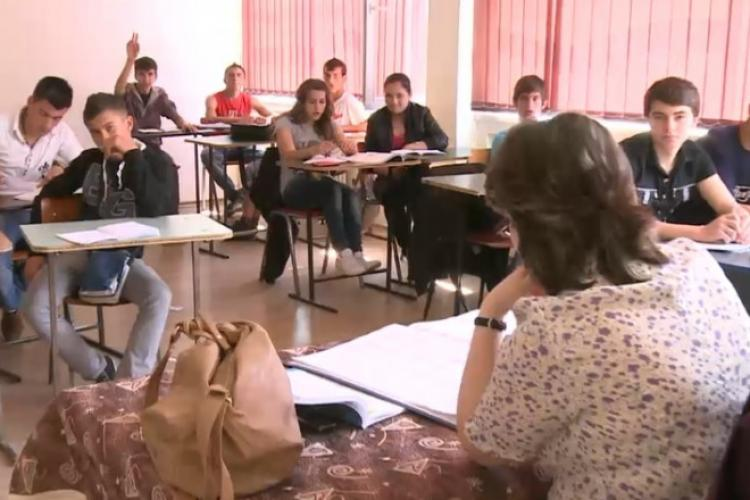 O învățătoare către ministrul Educației: Ați promis că reduceți programa școlară. Răspuns: Este dificil, dar am redus din hârtii