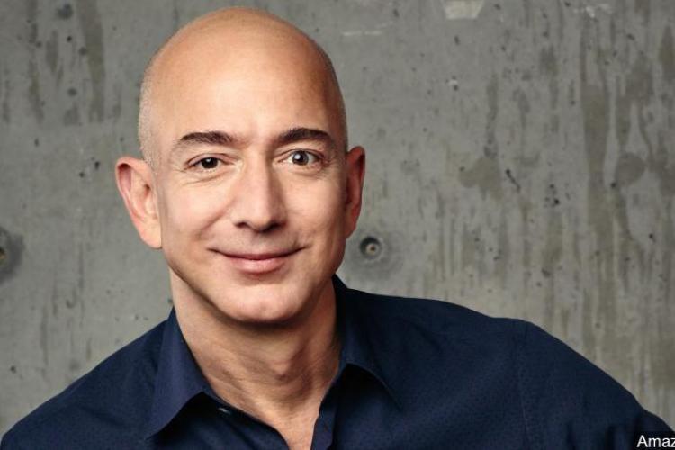 Jeff Bezos a devenit primul om care a depășit pragul de 200 miliarde de dolari