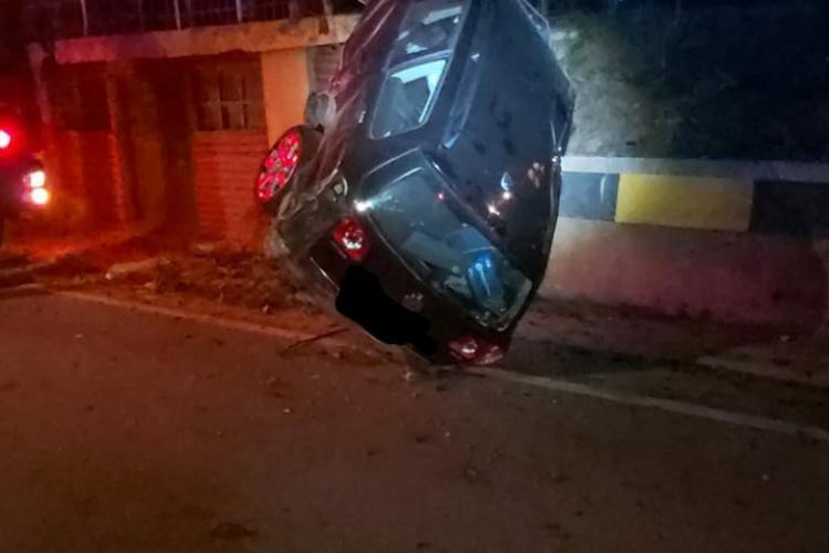 Clujean rănit într-un accident în Bistrița-Năsăud. S-a băgat într-o depășire periculoasă FOTO