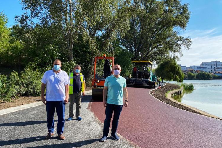 După 7 ani, Boc a reușit să facă toată pista pietonală de la lacul Gheorgheni. A și inaugurat-o cu toată conducerea Primăriei - FOTO
