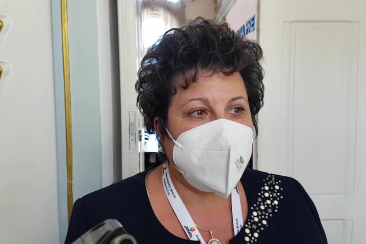 Marinela Marc, șefa Inspectoratului Școlar Cluj: Dacă un director cere bani de la părinți pentru dezinfectanți, să își dea demisia