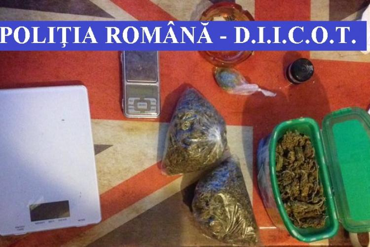 Aproape 40 de percheziții în Cluj, la o grupare de traficanți de droguri. 12 persoane au ajuns în arest FOTO