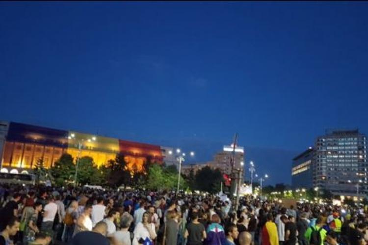 Protest în București al lucratorilor din HoReCa după ce au fost închise restaurante și cafenele