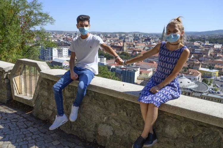Doi copii de la Pata Rât, susținuți să meargă la licee de top din Cluj-Napoca