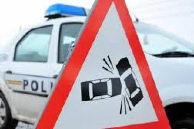 Inconștiență la volan! Un clujean de 58 de ani, cu permisul suspendat, prins de polițiști după ce a cauzat un accident rutier