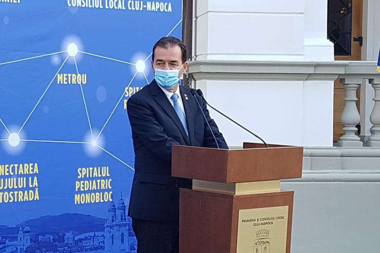 Gafă? Pe premierul Ludovic Orban l-a apucat râsul când a vorbit de metroul de la Cluj - VIDEO