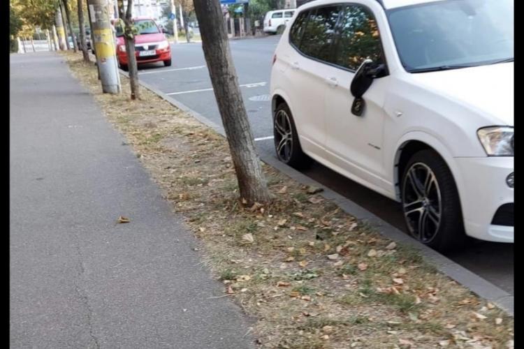 Huligan căutat de polițiști după ce a vandalizat 11 mașini în cartierul Gheorgheni