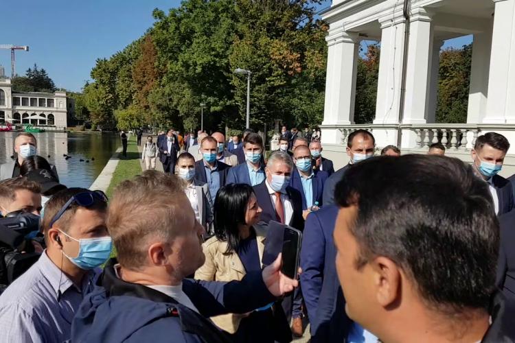 Extremistul Mărincuș a făcut scandal la vizita premierului Orban la Cluj: Haideți să vedem bolnavii de coronavirus care nu există - VIDEO