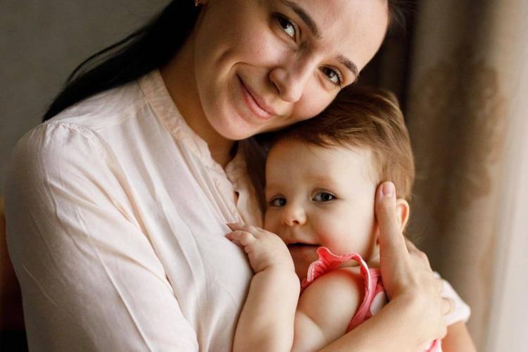 A câștigat tratamentul de 2,1 milioane de dolari! MIRACOL pentru Alexa, fetița de 11 luni care avea nevoie de un vaccin foarte scump