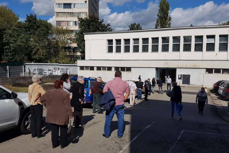 Cozi la unele secții de votare! Mergeți din timp ca să nu fie aglomerație - FOTO