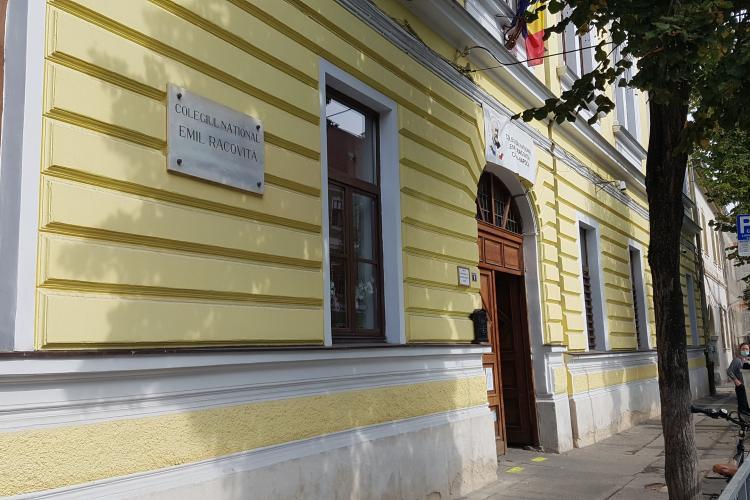 În jurul școlilor din Cluj se va purta mască! E obligatoriu și OFICIAL de marți dimineața - VIDEO