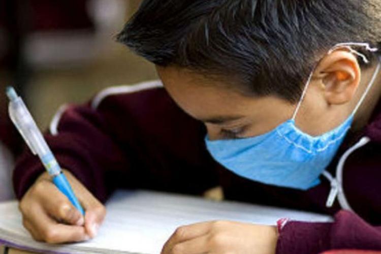 Cluj: Nu toți elevii trebuie să prezinte avizul epidemiologic și adeverința medicala la intrarea în colectivitate