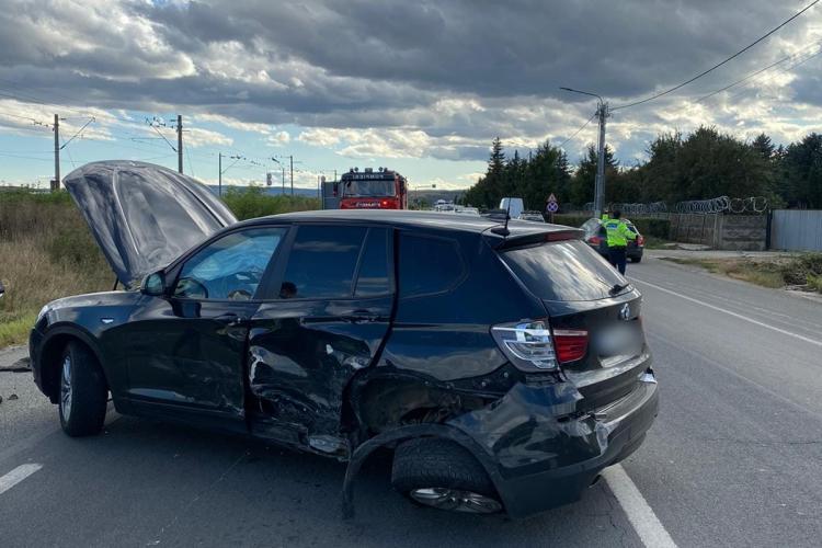 Accident cu trei mașini la Jucu. Traficul a fost îngreunat FOTO