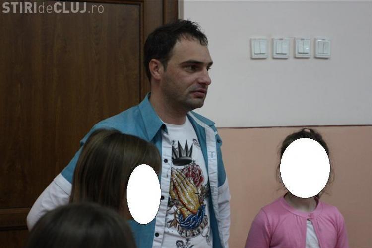DJ Boros, pe numele lui Mihai Bogdan Pop, zece ani de închisoare pentru pedofilie. Păcălea fetele că le face vedete