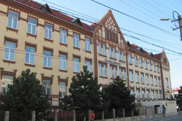 Elev cu COVID la un liceu de top din Cluj-Napoca! Clasa s-a închis - VIDEO