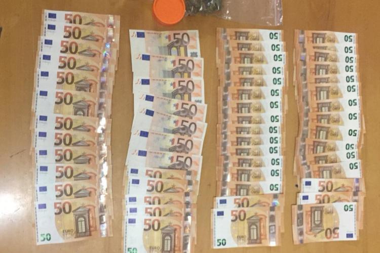 Traficant de droguri prins în Piața Mihai Viteazu! Avea un comportament suspect