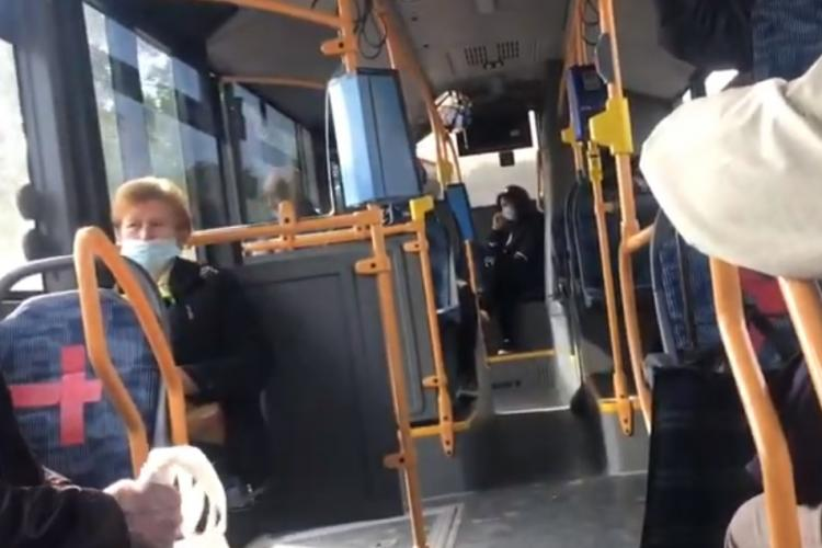 Cluj: Un preot a făcut scandal în autobuz pentru că nu voia să poarte mască. Comportament absurd - VIDEO