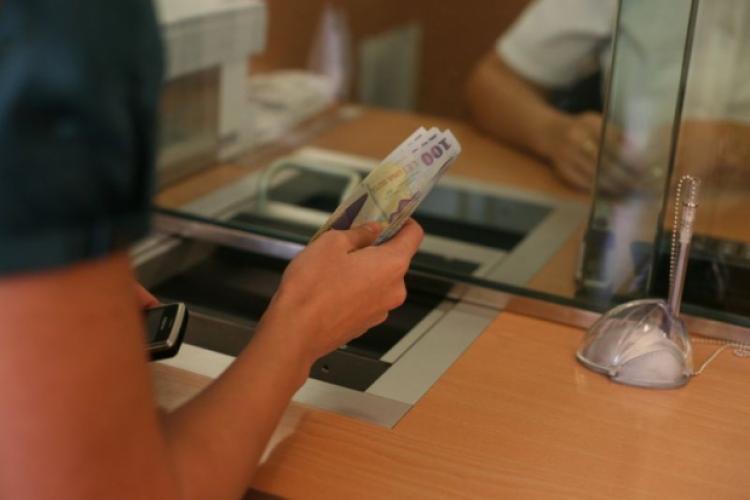 Românii și-ar putea amâna ratele la bănci și după 1 ianuarie