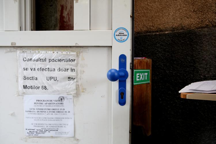 Mediul privat luptă alături de medicii clujeni împotriva Covid-19. Termo Express a donat spitalelor din prima linie mânere antimicrobiene