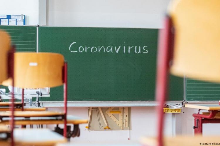 Nelu Tătaru, ministrul Sănătății, este de acord cu școala față în față acolo unde se poate