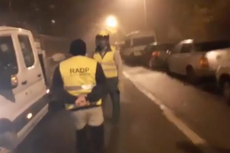 Clujenii cred că o mașină suspectă stropește cu COVID, după ora 23.00. E halucinant - VIDEO