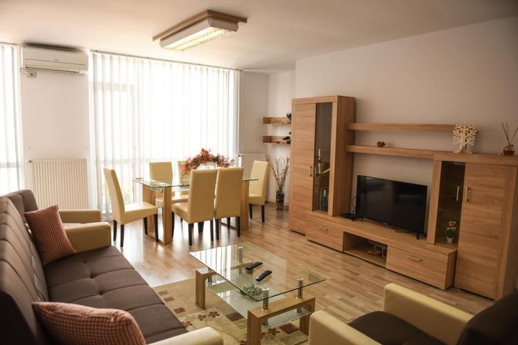Deși se anunță criza, la Cluj apartamentele sunt tot mai scumpe, cel puțin în capul agenților imobiliari