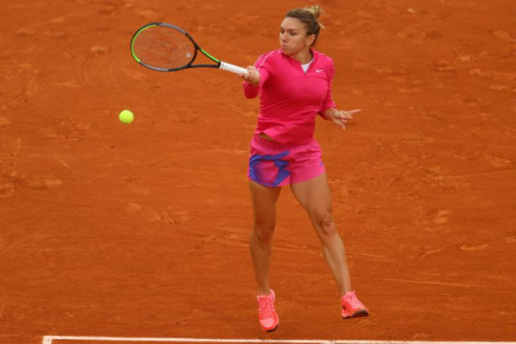Simona Halep are COVID-19