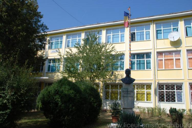 Liceele Ghibu și Nicolae Bălcescu se închid 14 zile. La fel Liceul Teoretic Octavian Goga din Huedin