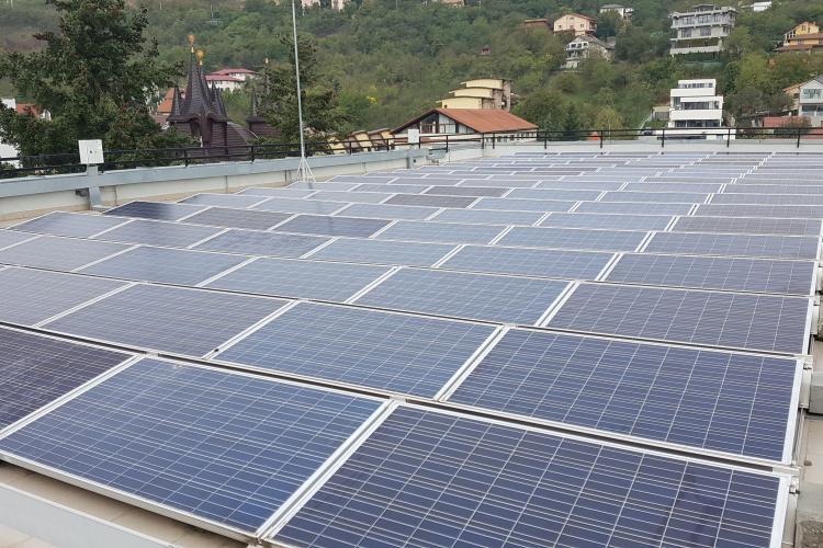 Clujul inovează și construiește un parc fotovoltaic experimental pe 2,5 hectare, în Dealul Lomb. Se va cerceta eficiența energiei solare în zona Clujului