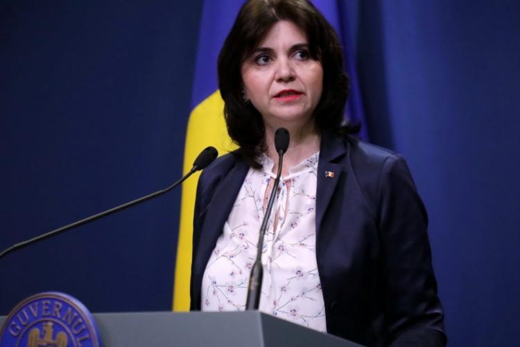 Ministrul Educației: Nu școala afectează creșterea numărului cazurilor de COVID-19