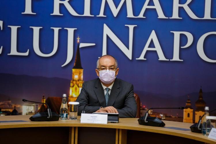 Emil Boc: A purta mască reprezintă un act de patriotism