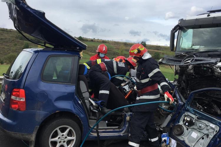 ACCIDENT MORTAL la Izvorul Crișului, pe drumul Cluj-Oradea. Două persoane au fost strivite în urma impactului FOTO/VIDEO