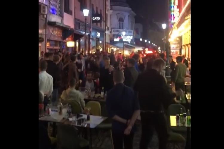Amenzi în București, după ce un clip în care zeci de tineri petreceau la terasă a devenit viral VIDEO