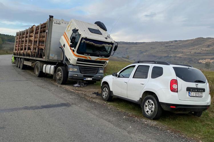 Transporturi ilegale de lemne depistate la Cluj. S-au dat amenzi de aproape 11.000 de lei