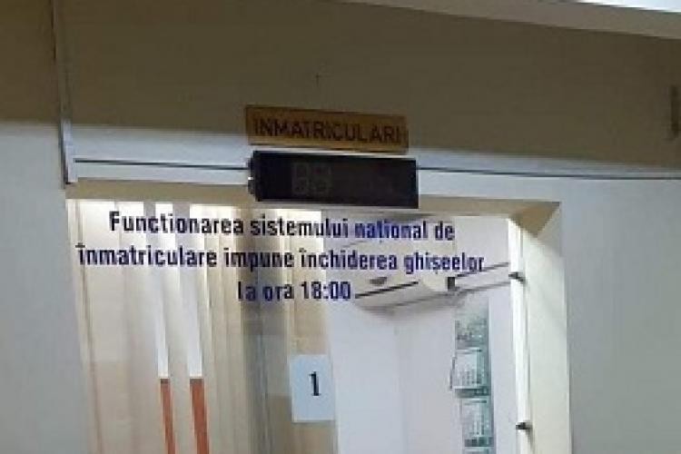 La Serviciul Permise și Înmatriculări  Cluj masca nu se poartă - FOTO
