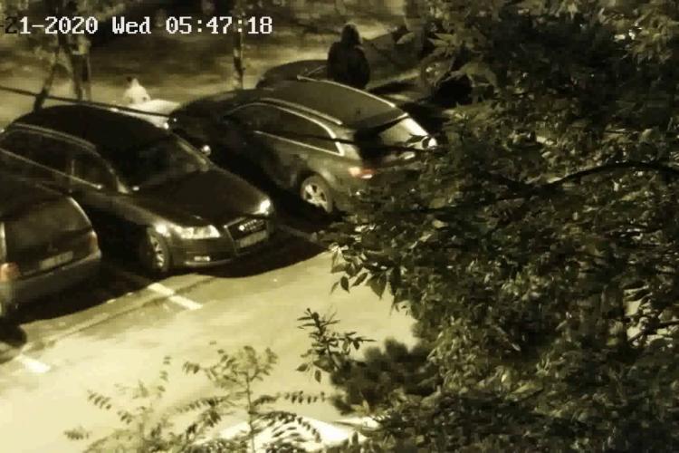 Bărbat filmat în timp ce fură capace de mașină în Gheorgheni. Cum acționează VIDEO