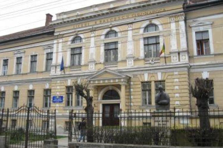 Liceul Nicolae Bălcescu din Cluj trece la ore online