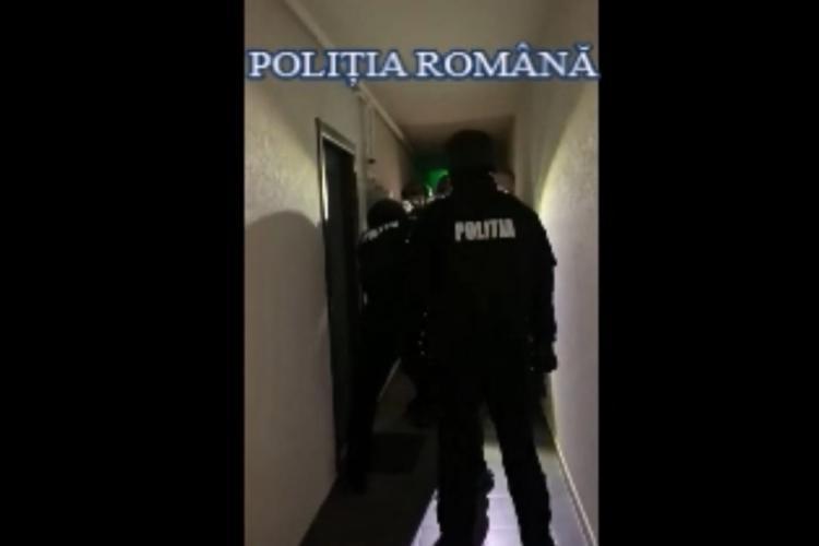 Percheziții la Cluj-Napoca, la un  grup de tâlhari. Au intrat peste un bătrân de 82 de ani în casă VIDEO