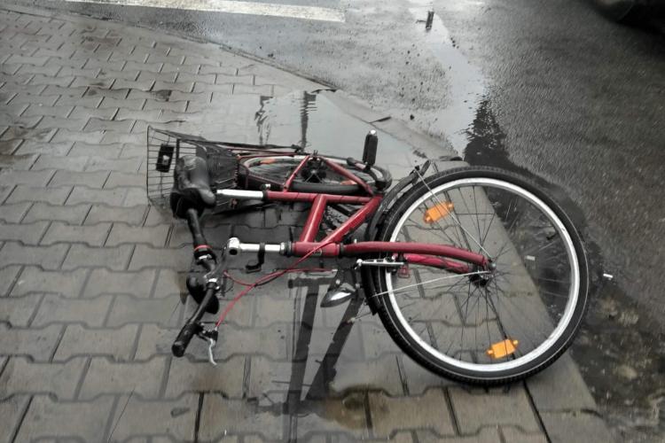 Accident mortal la Huedin! Un biciclist a fost spulberat de un TIR