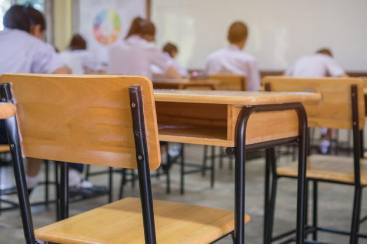 Clujul are 180 de elevi și profesori cu COVID-19