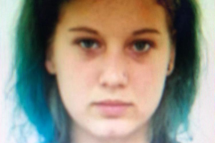 CLUJ: O adolescentă de 16 ani a dispărut de acasă. Ați văzut-o? FOTO
